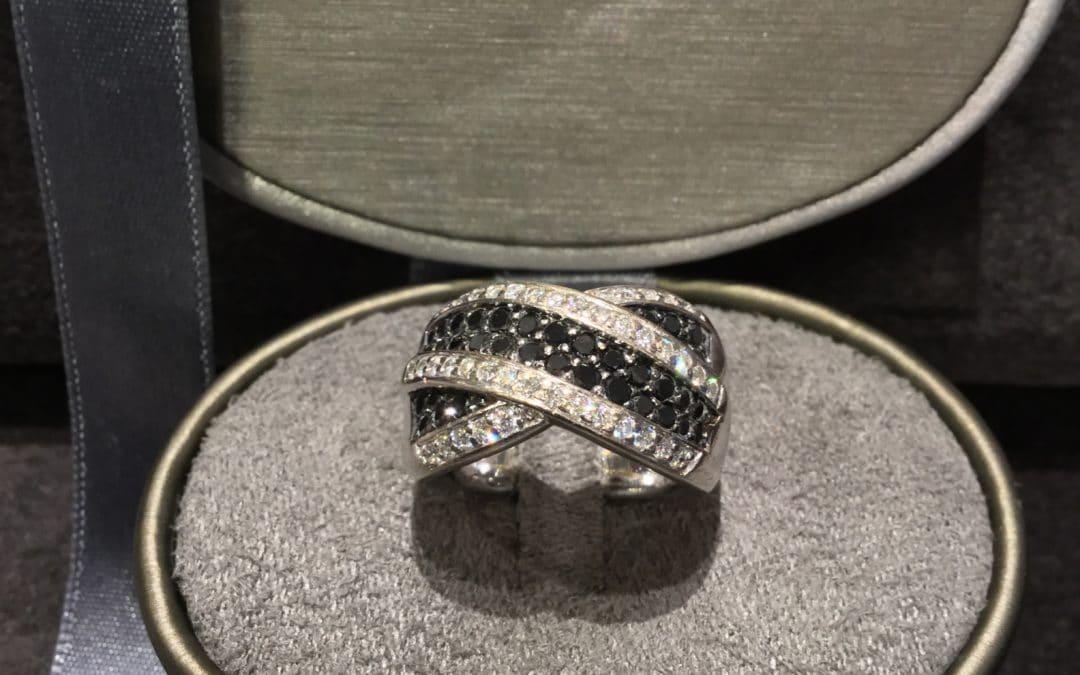 Sort Hvid Brillant Ring